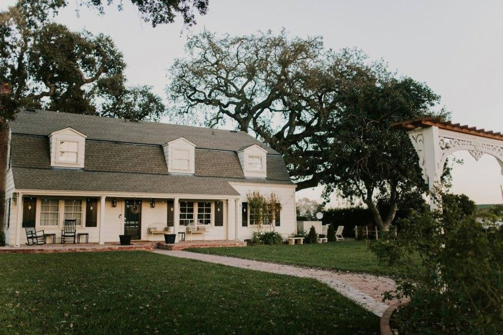 Welcome to Fitz Place, an historic 1930's farmhouse, featuring overnight accommodations for 16+ guests.