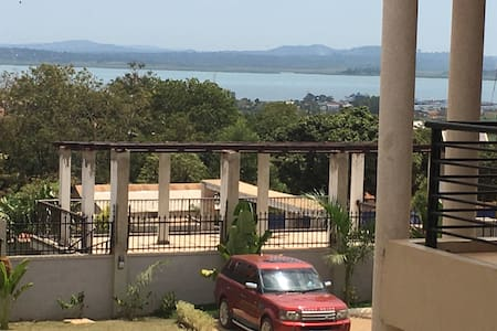 Laxurious appartment with lake view - Kampala