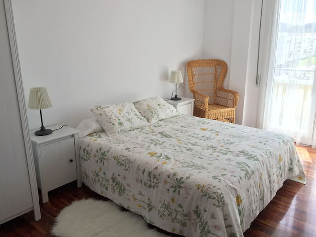 Amplio y luminoso piso, muy bien ubicado + garaje - Zumaia - Pis