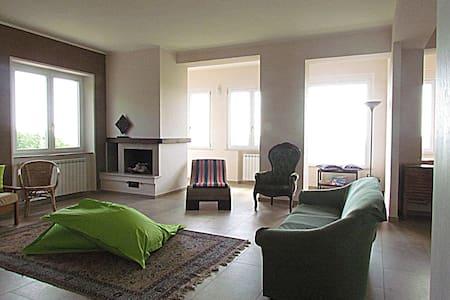 Appartamento con vista panoramica - Massa Marittima