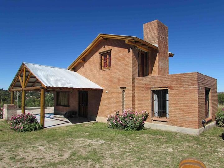 Cabaña con pileta en Villa Giardino