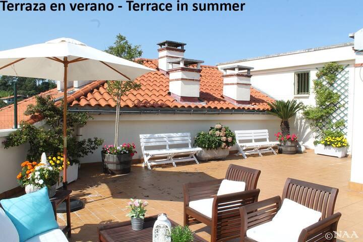 Piso acogedor, iluminado, gran terraza. EBI-606