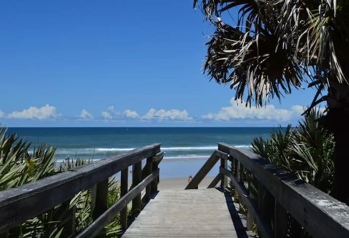 Kate's Places@Oceanwalk -3B/2B luxury gated condo - New Smyrna Beach - Condominio
