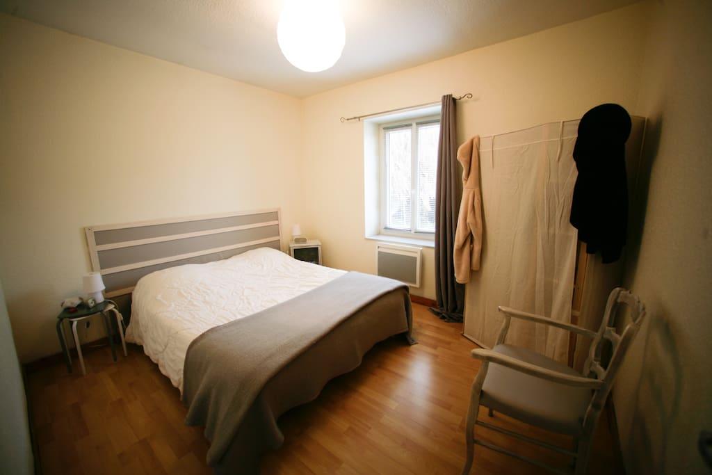Chambre 1 avec lit de 160 cm