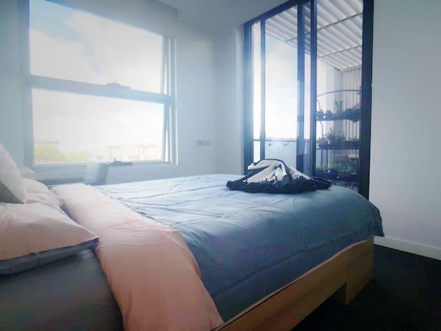 近CBD安静舒适的房间