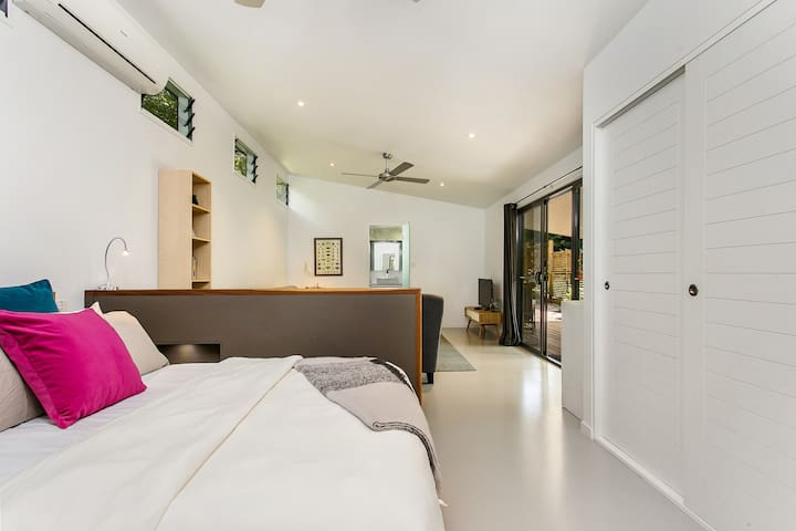 Studio 45 -private and peaceful - Byron Bay - Bungalow