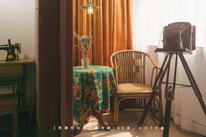 【西湖美术馆】西湖南山路中国美院步行5分钟、小红书推荐、油画摄影写真打卡、黑胶唱片机巨幕影院