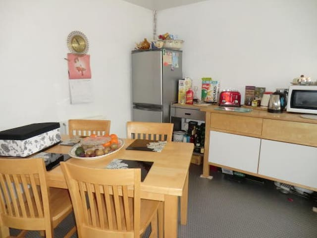 ST ALBANS SINGLE BEDROOM WOMEN ONLY HOUSE