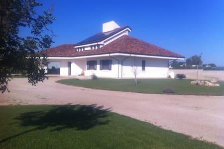 Appartamento indipendente in villa - Galatina