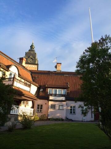 2 rok granne med Strängnäs Domkyrka - Strängnäs - Apartment