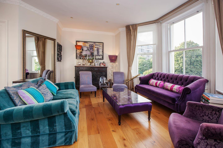 Great flat facing Kensington Palace