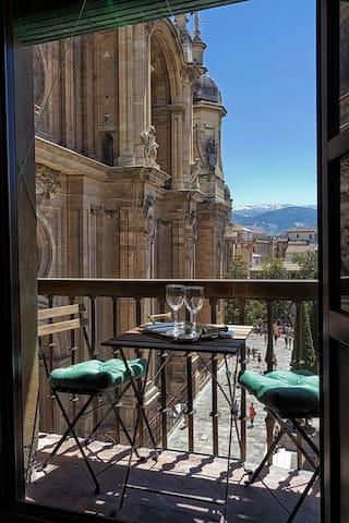 Piso plaza Catedral centro Granada