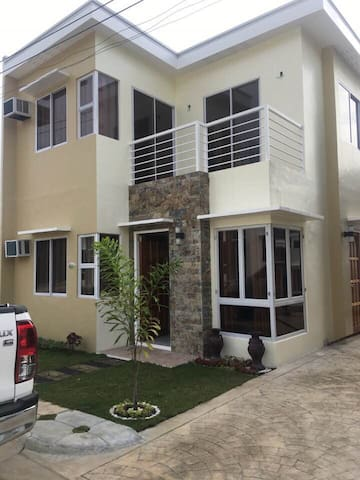 Ur home away fr home,2story house 3br good 4 relax