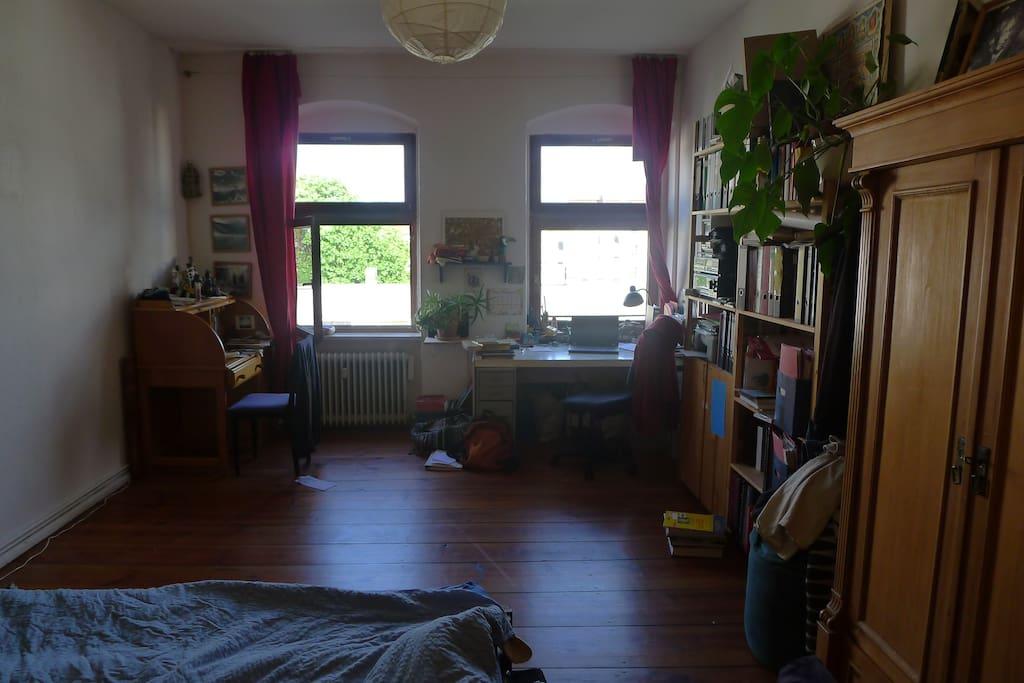 Schlaf- und Arbeitszimmer