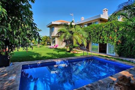 OASIS HOUSE - El Sauzal