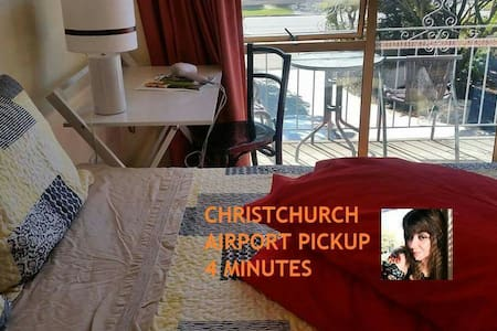 CH-CH AIRPORT  PICKUP! 4'min ! - Christchurch   - 家庭式旅館