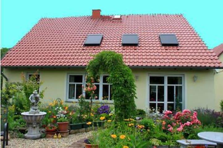 Wunderschöne grosse Wohnung - Niederau - Apartamento