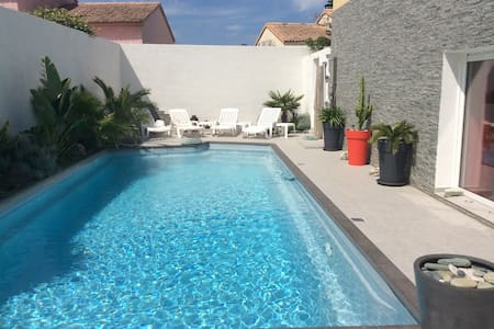 STUDIO avec PISCINE PRIVATIVE - Borgo - Huvila