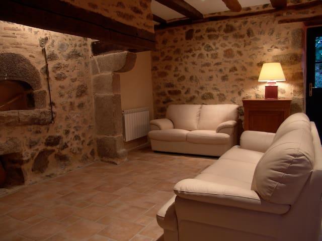 Maison en pierre du 18eme, piscine - Augignac - Casa