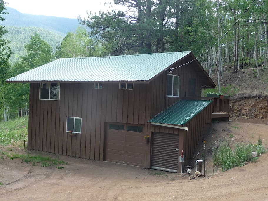 Aspen hideaway mountain cabin cottages for rent in rye for Mountain cabin rental colorado