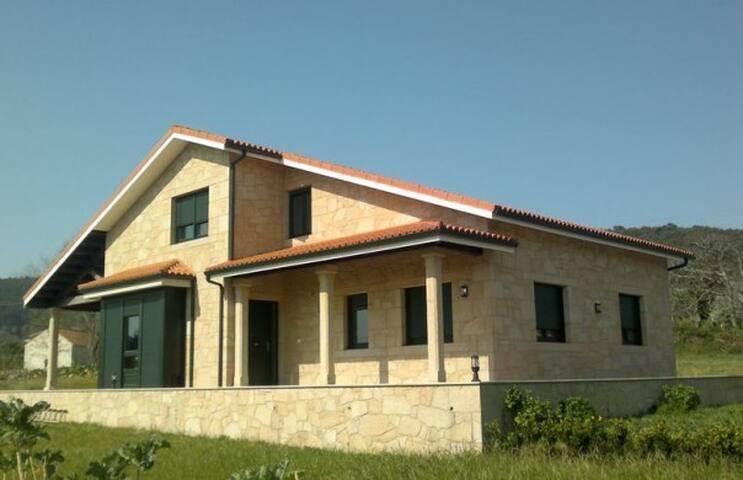 CHALET ALBERTO - Escaselas - House