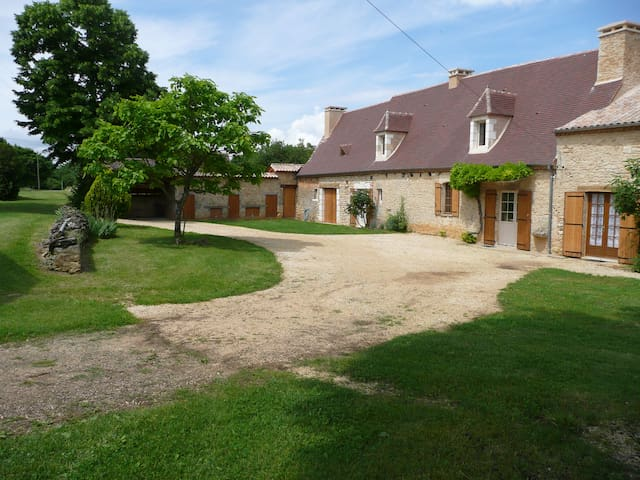 Maison, Gîte, de vraies vacances à la campagne - Périgueux - Casa