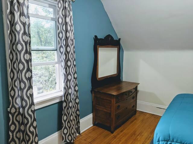 The Classic Craftsman (Room 4)