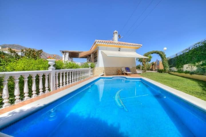 """Family-friendly Holiday Home """"Villa Fuengirola"""" with Mountain View, Pool, Garden & Wi-Fi; Parking Available, One Pet Allowed"""