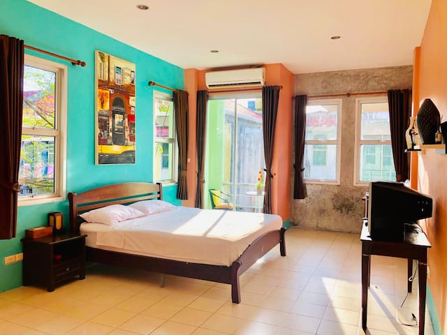 Cozy room in the city centre of Phuket