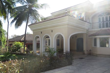 Beautiful modern villa in Corjuem, North Goa. - Villa