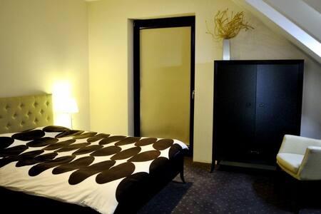 Nice room for 2 person in villa