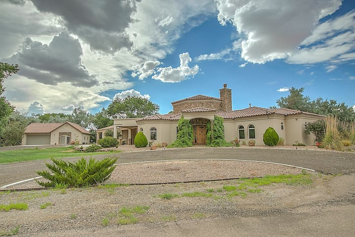 Luxury Villa in Mid Valley Airpark - Los Lunas - Villa