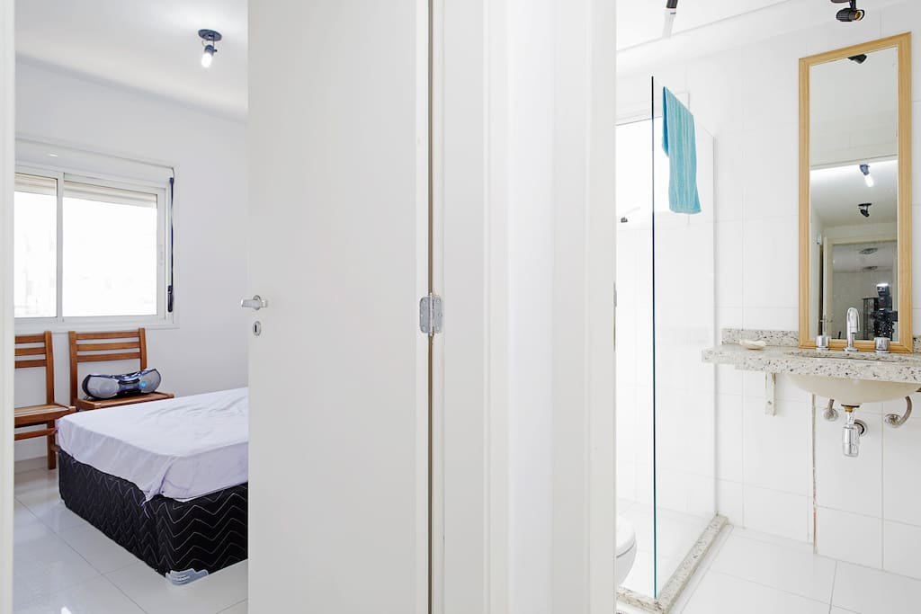 banheiro, uso exclusivo dos hóspedes
