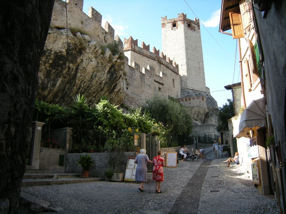 Burg in Malcesine (Mala Salix).