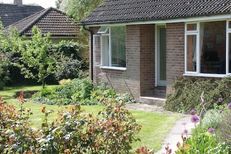 The Garden Cottage, Stapleford - Stapleford