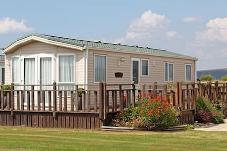 Comfortable Cambrian Coast Caravan - Ceredigion