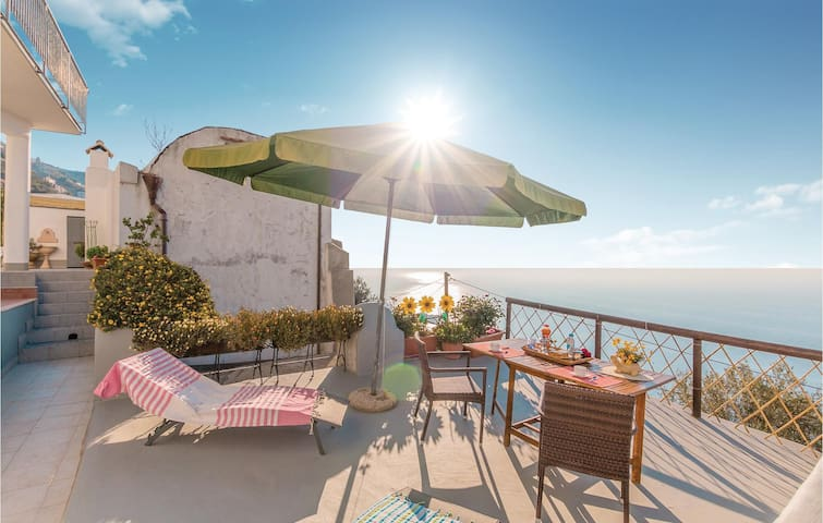 Holiday apartment with 1 bedroom on 40m² in Furore SA