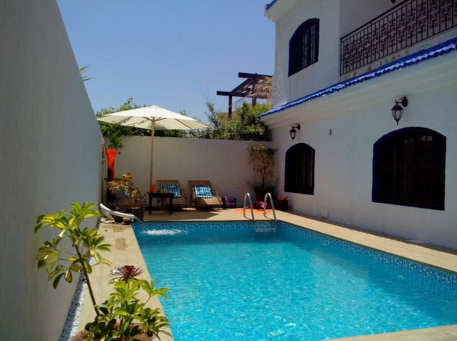 Riad 39 39 majorelle 39 39 avec piscine villas for rent in plage for Riad essaouira avec piscine