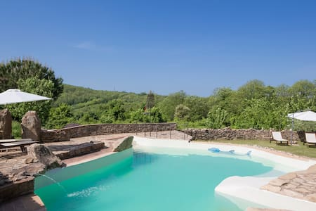 Beautiful Villa + Pool near Siena - La Cetina - Casa de campo