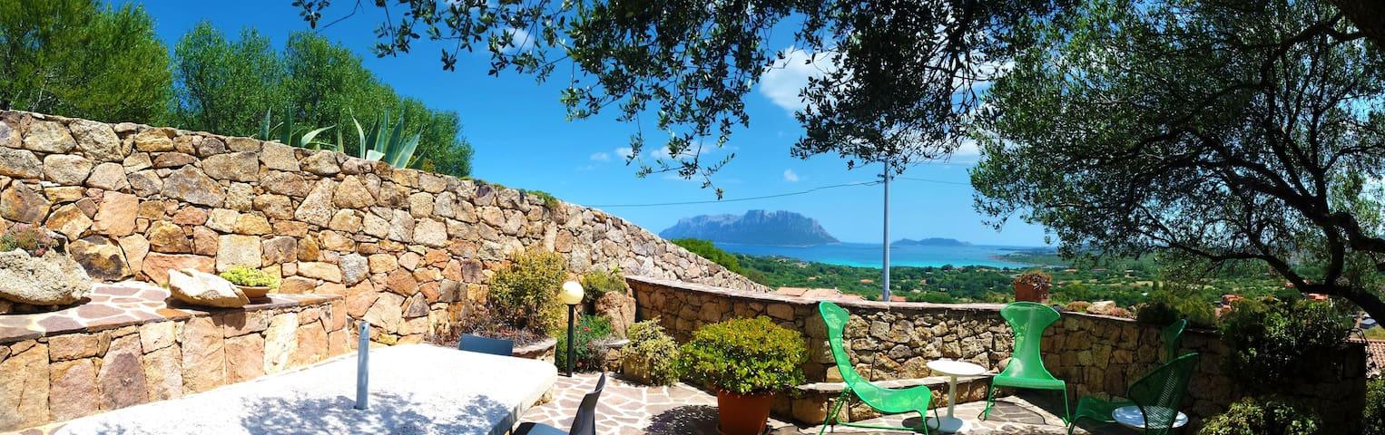 Villa Smeralda Bed&Breakfast - Porto Istana - Bed & Breakfast