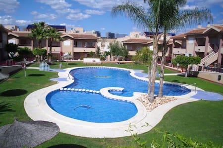 Sunny Villa close to Beach & Bars - Puerto Marino - Huvila