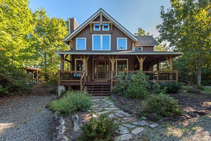 Sweet Retreat | AVL Area | Treetop Cabin & Pet-friendly with a Hot Tub! - 3 Bedroom, 2.5 Bathroom
