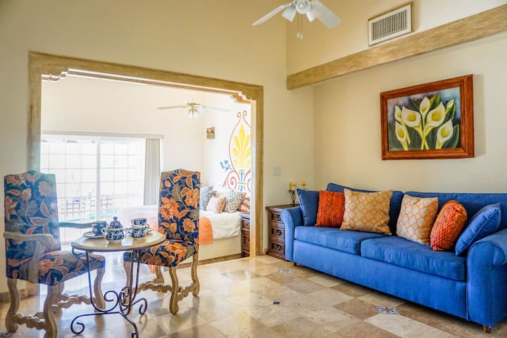 KING BED! Country Club! Amenities+Terrace! Beach!! - Cabo San Lucas - Apartamento