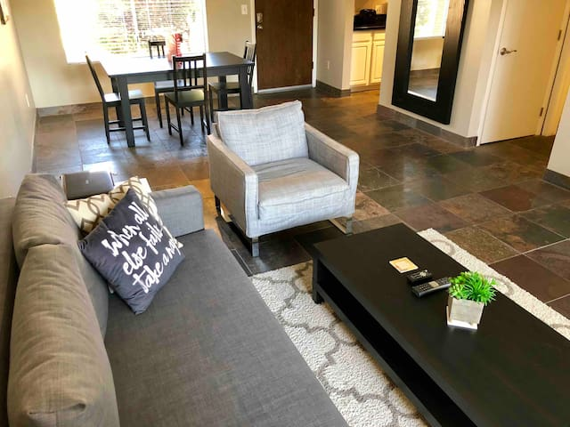 Cozy Condo in Old Town Scottsdale with Heated Pool