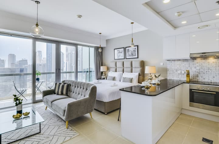 ★ Luxurious Downtown Apartment by Burj Khalifa