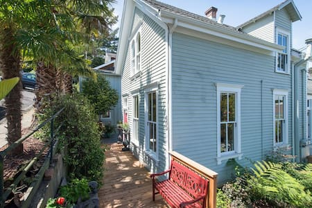 Charming Sausalito Historic Home