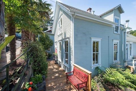 Charming Sausalito Historic Home