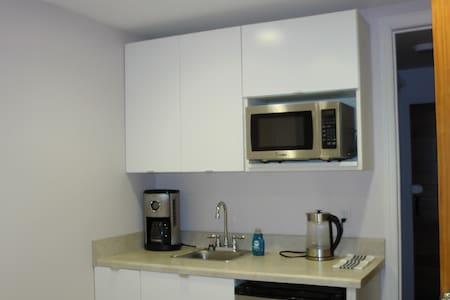Mini Studio in NY city safest area - 브루클린(Brooklyn) - 단독주택