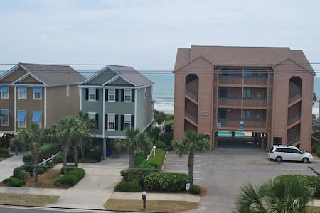 Spacious Condo Steps from the Beach! 3bdrm 3bath - North Myrtle Beach