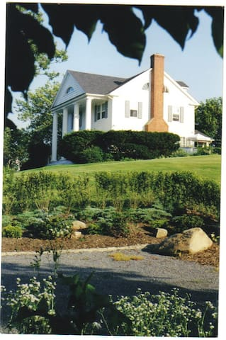 North Fork Estate on LI Sound - - Cutchogue - Hus